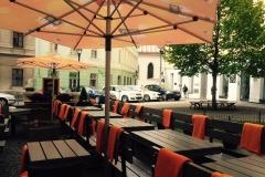 Fotografie z letní zahrádky restaurace CP1 Café & Wine Bar v Praze 1